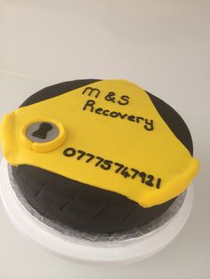 Tyre and clamp cake