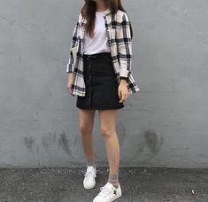 Ideas for moda coreana korean style 2019 Hipster Fashion, Look Fashion, Trendy Fashion, Girl Fashion, Fashion Outfits, Fashion Ideas, Fashion Clothes, Women's Clothes, Fashion Beauty