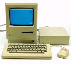 Computer Fat Mac Apple / Macintosh Plus 1 Mb RAM memory with screen and keyboard executed by Macintosh / USA 1986
