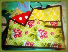Eco wrap for sandwiches! Half nice fabric, half oilcloth! #diy #crafts #sewing #ifilgood #fabric #eco #sandwich