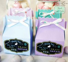 Personalised favour boxes with chalkboard label