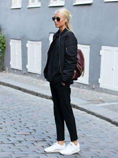 Def need a bomber backpack Copenhagen Street Style, Monochrome Fashion, Modest Fashion, Street Style Women, Womens Fashion, Fashion Mode, Fashion 101, Everyday Fashion, Autumn Winter Fashion