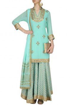 Haute spot for Indian Outfits. Indian Attire, Indian Wear, Salwar Kameez, Sharara Suit, Indian Dresses, Indian Outfits, Indian Clothes, Ethnic Trends, Dresser