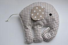 """Süßes Kirschkernkissen """"Elefant"""" ...ideal für Baby´s Bäuchlein bei Bauchschmerzen (ein Muss für jede werdende Mama)  - auch als Spiel-und Fühlkissen gut geeignet. Die Kirschkerne kann man gut durch..."""