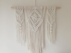 Etsy の Macrame Wall Hanging by BOTANICAhome