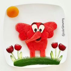 Pains stay away from our country and our families . Cute Snacks, Cute Food, Food Crafts, Diy Food, Finger Foods For Kids, Food Art For Kids, Fruits For Kids, Creative Food Art, Food Carving