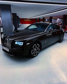 Straight out of darkness, rises the Black Badge 🦇 ➖ The Rolls-Royce Wraith Black Badge replaces the normally brilliant finishes on the… Rolls Royce Wraith Black, Rolls Royce Black, Rolls Royce Cars, Rolls Royse, Los Cars, Rolls Royce Cullinan, Best Muscle Cars, Cars And Coffee, Amazing Cars