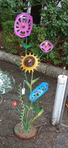 Garden Art - this is an idea to do with our left over bike bits.