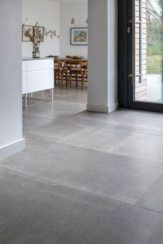 porcelain flooring Hessian Grigio Porcelain Tile fliesen When we visited a house in Devon Modern Kitchen Flooring, House Tiles, Flooring, Floor Tile Design, Tile Design, House Flooring, Living Room Tiles, House Interior, Tile Floor Living Room