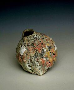 Aki Moriuchi ceramics. Stone Seed, 2006, stoneware, wheel thrown, 10cm H, photo by Aki Moriuchi