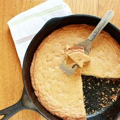 White Chocolate Skillet Cookie by itbakesmehappy