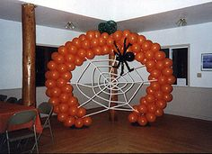 Spiderweb balloon arch