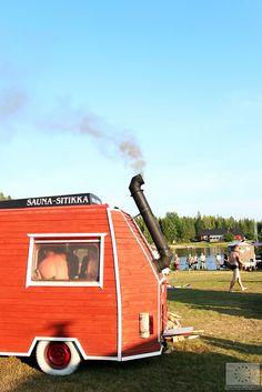 Sauna-ajot   Siirrettävien saunojen kokoontumisajot 2014 - Teuva © Marjut Hakkola, 2014 Finland