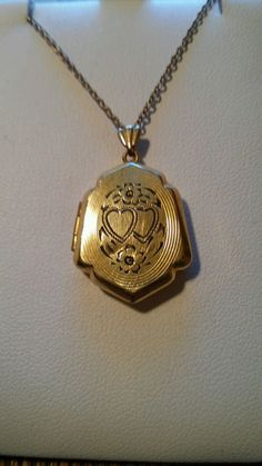 Vintage 1/20 12k  Gold - Filled Double Etched Double Heart Locket w/ Photos #Locket