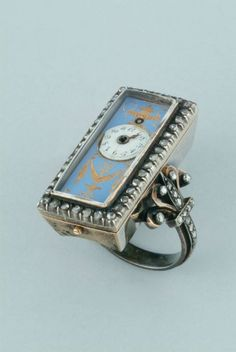 1820 : Vacheron Constantin made this platinum ring watch in via The Hour Lounge. Ring Watch, Watch Bands, Bracelet Watch, Antique Watches, Vintage Watches, Instruments, Vacheron Constantin, Beautiful Watches, Elegant Watches