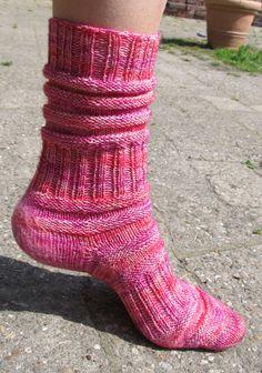 Knitting Socks, Baby Knitting, Baby Boy Booties, String Bag, Market Bag, Knitted Bags, Wool Yarn, Pin Collection, Knitting Patterns