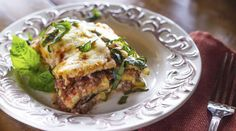 PARMESAN ZUCCHINI LASAGNA – TRIM HEALTHY MAMA COMPLIANT This lasagna layers ground beef and ricotta cheese between sautéed slices of zucchini for a Trim Healthy Mama compliant dinner filled with protein and healthy fats.