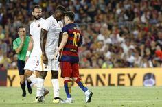 Lionel+Messi+headbuttd+opponent