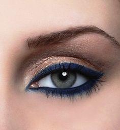Navy Eyeliner with Gold Eyeliner | AmazingMakeups.com