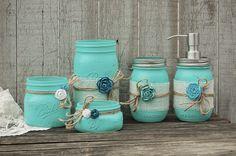 Aqua mason jar bathroom set - diy this and use color to match rest of decor (Diy Bathroom Set) Mason Jar Projects, Mason Jar Crafts, Mason Jar Diy, Diy Projects, Colored Mason Jars, Blue Mason Jars, Rustic Mason Jars, Mason Jar Bathroom, Diy Hanging Shelves