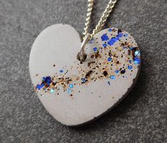 Jewerly necklace heart gifts 43 Ideas for 2019 Etsy Jewelry, Handmade Jewelry, Handmade Gifts, Cement Jewelry, Diy Earring Holder, Necklace Storage, 21st Gifts, Fabric Gifts, Jewelry Party