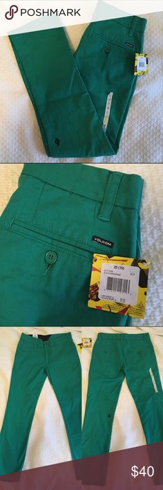 NWT 🏷 VOLCOM SIZE 10 boys SLIM FIT CHINO New never worn. Tags attached size 10 boys. Ships same or next day from my smoke free home. Bundle items to save. 🌲 Volcom Bottoms Casual