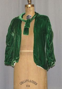 1930S GREEN SILK VELVET JACKET EVENING COAT SILK LINED DRAPED SLEEVE. Front