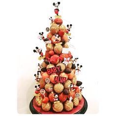 Mickey mouse croquembouche