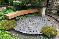 Patio of bluestone pavers with curving bench moss ferns stone pillars wall Patio Shade, Shade Garden, Bluestone Pavers, Flagstone Patio, Paver Sand, Paver Edging, Paver Stones, Paver Walkway, Cement Patio