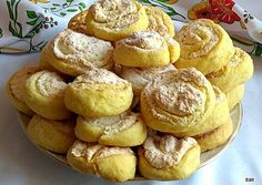 Kókusztekercs | Edit56 receptje - Cookpad receptek Cookie Recipes, Dessert Recipes, Desserts, Winter Food, Pretzel Bites, Oreo, Muffin, Food And Drink, Sweets