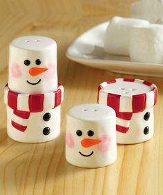 Adorable salt and pepper shakers!