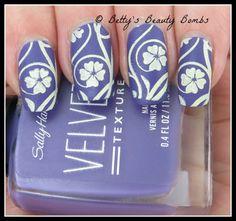 http://www.bettysbeautybombs.com/2015/03/03/yellow-flowers-nail-art/ / Sally Hansen Velvet Texture, Mundo de Unas, and Cici&Sisi