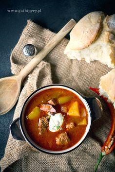 Węgierska zupa gulaszowa www.gzikipyry.pl