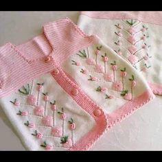 En Şirin Kız Çocuk Yelek Modellerinden Seçmeler | M-visible.com Baby Knitting Patterns, Knitting For Kids, Crochet For Kids, Crochet Baby, Knit Crochet, Baby Cardigan, Baby Pullover, Embroidery Fashion, Baby Sweaters