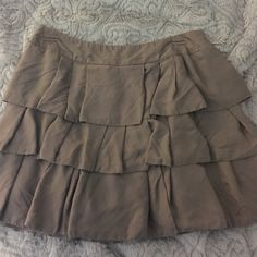 Banana Republic Skirt Short flirty skirt by banana republic. Very soft material! In great condition! Don't forget to Bundle and Save !!!! Banana Republic Skirts Mini