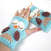 Sleepy Owl Gloves - via @Craftsy