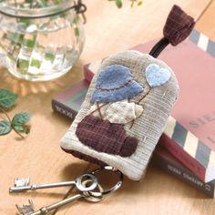 Pin by Małgorzata Bogumiła on Portweliki, kosmetyczki ... : key cover quilt - Adamdwight.com