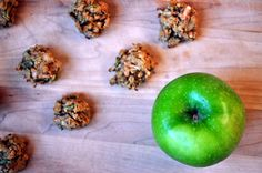 Before we start a lovely Wednesday with Paleo Apple Cinnamon Breakfast Cookies (yum yum yum yum!) I have to remind you about the Reboot[izer] Your Body Contest. Today we are talking about ingre. Apple Breakfast, Breakfast On The Go, Breakfast Cookies, Breakfast Bites, Cinnamon Cookies, Cinnamon Apples, Apple Cookies, Cookies Vegan, Apple Dessert Recipes