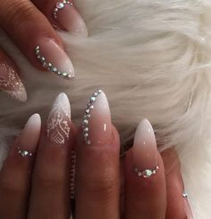 almond-nail-art-33