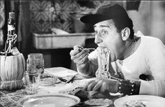 Un Americano a Roma-Alberto Sordi,Steno-Amatriciana, Amatrice Spaghetti, Laurel And Hardy, Photo Vintage, Artisan Food, People Eating, Italian Style, Italian News, Italian Life, Akita