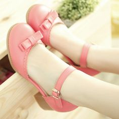 Cute bow heels