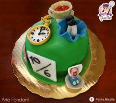 Pastel de Alicia en el país de las maravillas hecho con fondant #Fondant #Cake #Aliceinwonderland