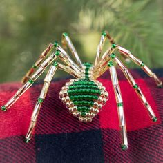 Unique Christmas Ornaments, Red Ornaments, Handmade Christmas, Christmas Ideas, Christmas Spider, Blue Christmas, Spider Decorations, Seed Bead Earrings, Seed Beads