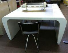 bureau tafels funky  witte MDF desks