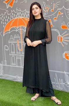 Beautiful Pakistani Dresses, Pakistani Dresses Casual, Indian Fashion Dresses, Pakistani Dress Design, Indian Designer Outfits, Beautiful Hijab, Stylish Dress Book, Stylish Dresses For Girls, Simple Dresses