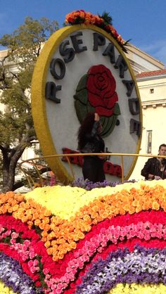 Go to Rose Parade volunteer on a float and enjoy sunny CA (with Micki)