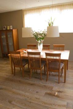 Preciosa tarima de madera. www.tarimasdelmundo.com