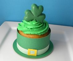 st patricks day cupcake wrapper
