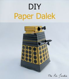 The Pin Junkie: DIY TARDIS and Dalek Doctor Who Paper Crafts