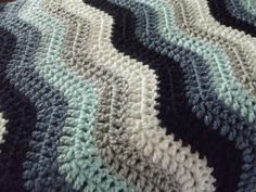 Through The Keyhole: Ripple Blanket - stylecraft special dk yarn in midnight, denim, sherbet, silver and white. Love the colour combination